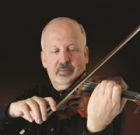 Renowned violinist visits Memory Café