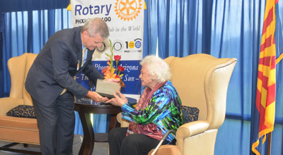 In-coming Phoenix Rotary 100 President Joe Prewitt presents the Outstanding Career Achievement and Community Service Award to the Honorable Sandra Day O'Connor (photo by David Johnson).