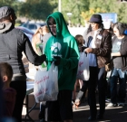 Volunteers support hungry children
