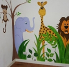 Art class offers tips to paint child's wall