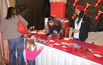 Children can frost and decorate their own holiday cookies during Holiday Festival At The Falls on Dec. 11 at Pointe Hilton Tapatio Cliffs Resort (submitted photo).